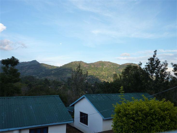 Gästehäuser und Berge